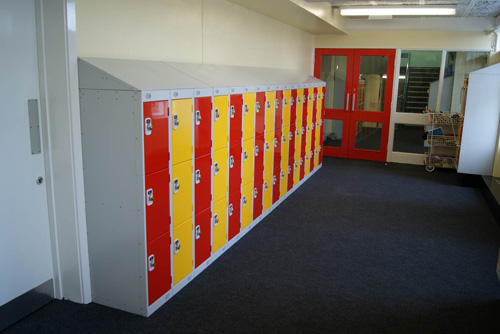 cloakroom for lockers and laptops